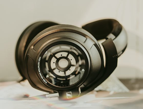 Sennheiser HD 820 look